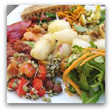 Café Gaya er en 100 % økologisk, vegetarisk og veganer-venlig café i Vestergade 43. 8000 Aarhus C.