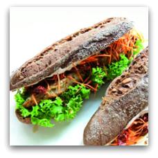 Anettes har sandwich med hummus seks forskellige steder i byen.